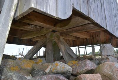 ein Ständerwerk wie Bockmühlen