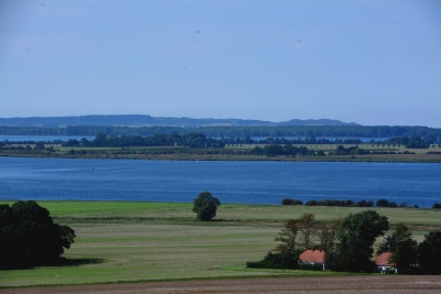 Hiddensee's Dornbusch am Horizont