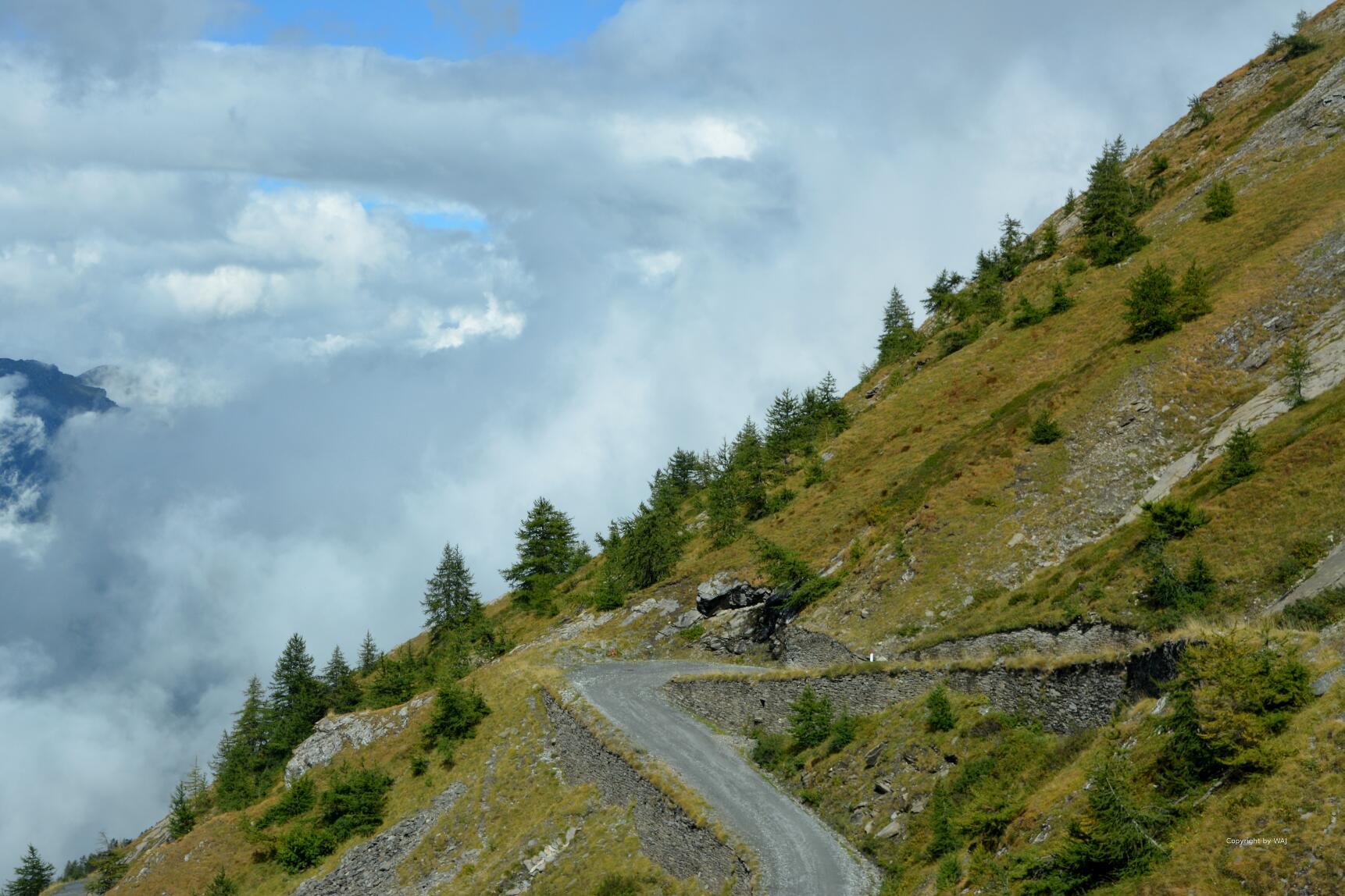 Richtung Colle dellAssietta ziehen Wolken auf...