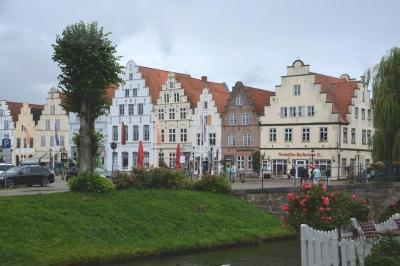 Am Marktplatz in Friedrichstadt