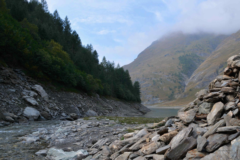 Alte Staumauer am Lago d'Rochemolles