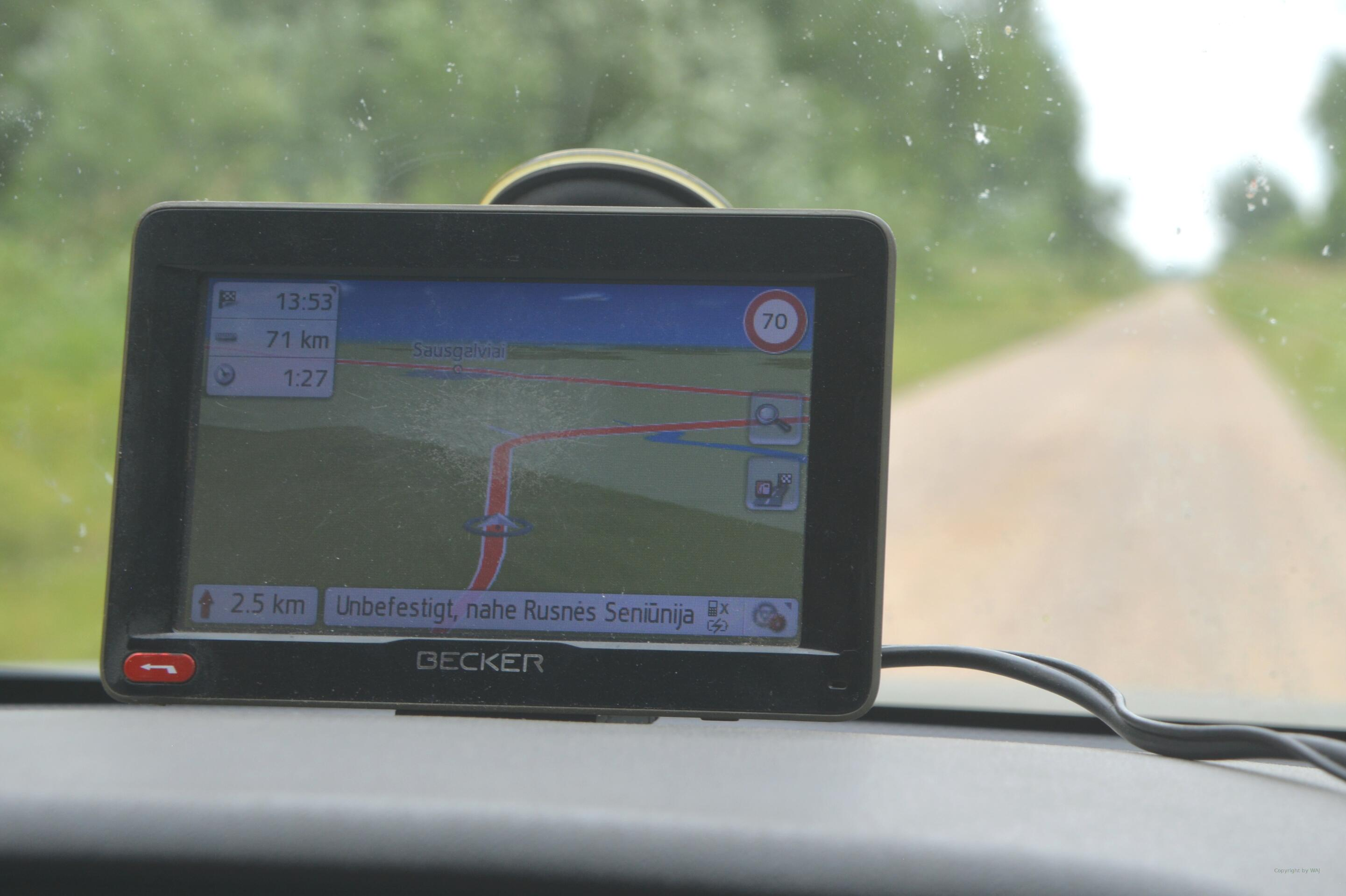 offiziell darf man hier 70 km/h...