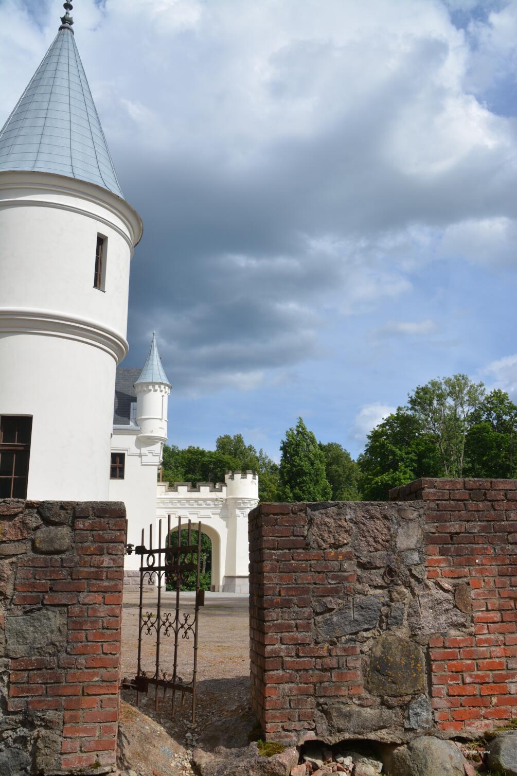 herrschaftliche Häuser, wie das Gut von Alatskivi...