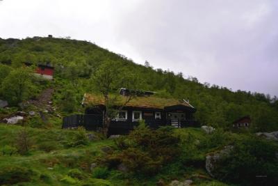 Erste, verstreute Häuser