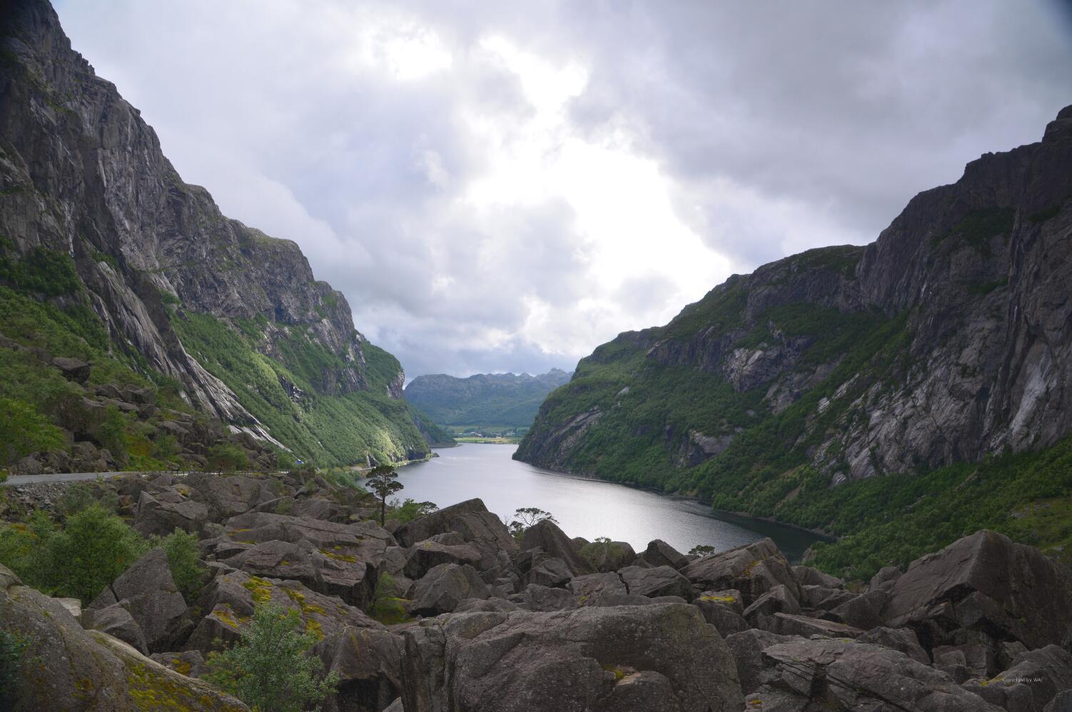 Talseite hinter dem Bergrutsch