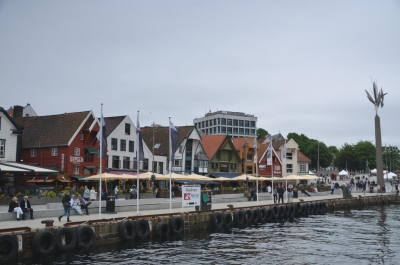 Traditioneller Skagenkajen mit seinen bunten Speicherhäusern